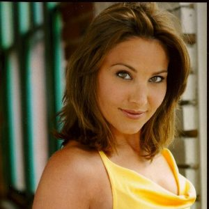 Kirsten Robek Net Worth And Income