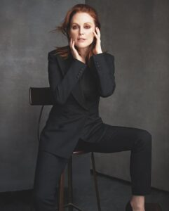 Julianne Moore Net Worth, Bio, Wiki, Age, Height, Career, Family, Facts Income