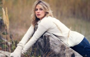 Melanie Laurent Height And Weight