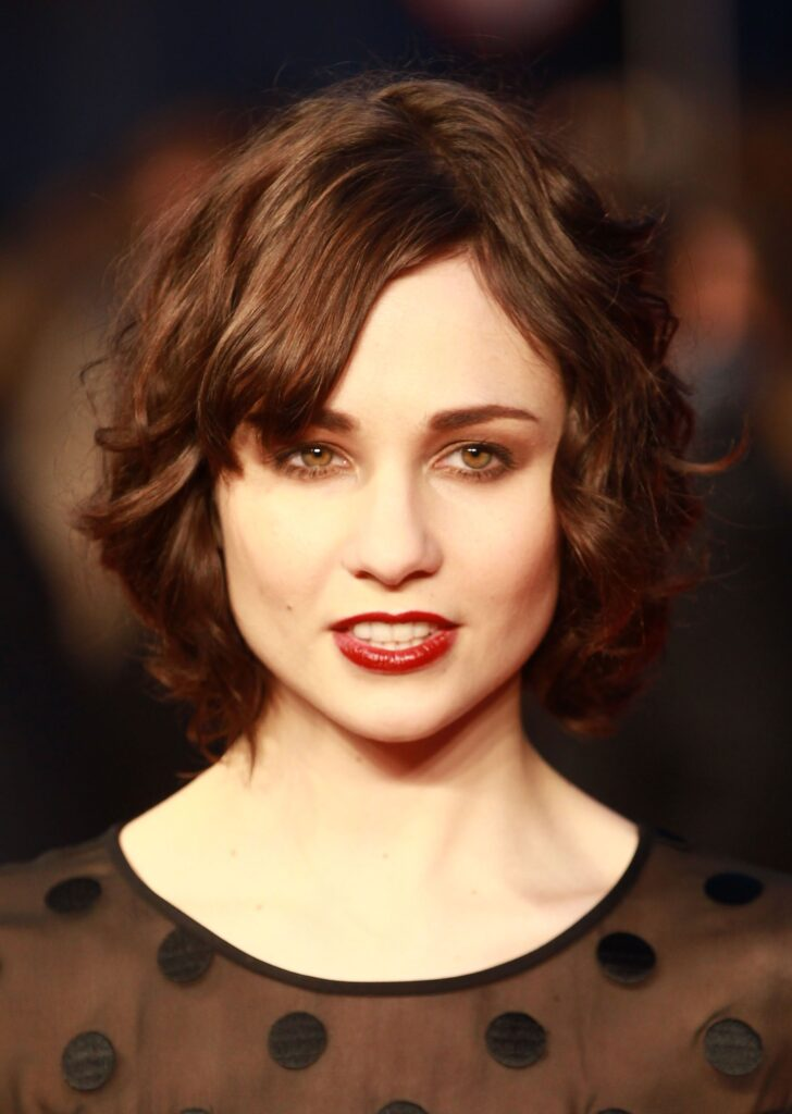 Tuppence Middleton Networth, Income, Salary