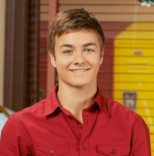 Peyton Meyer Height And Weight