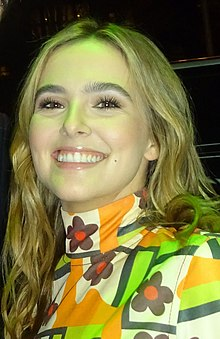 Zoey DeutchHeight And Weight
